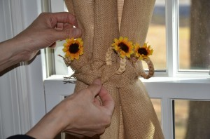 Daisy Braid Tie-Back for Burlap Drapes