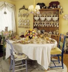 Damask Miranda Tablecloth