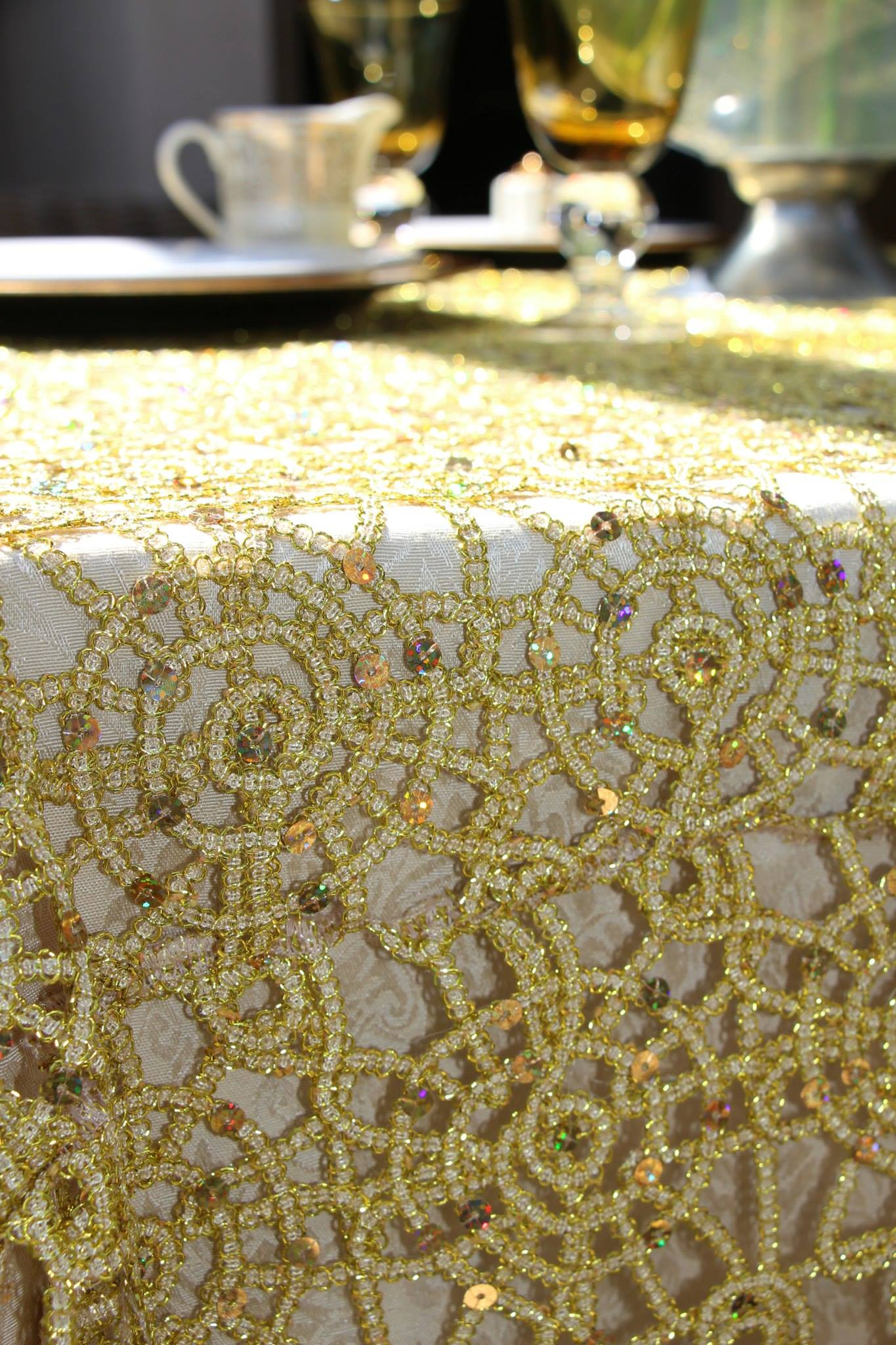 Fabulous Gold Sequin Table Overlay 1365 x 2048 · 399 kB · jpeg