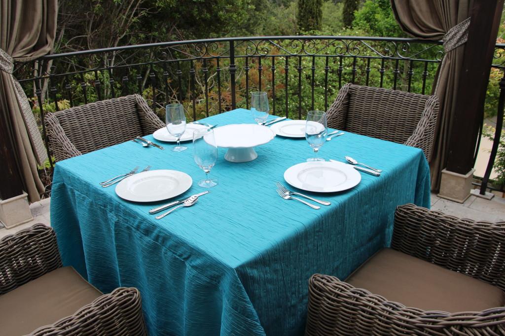 Crinkled Taffeta Delano Table Linen