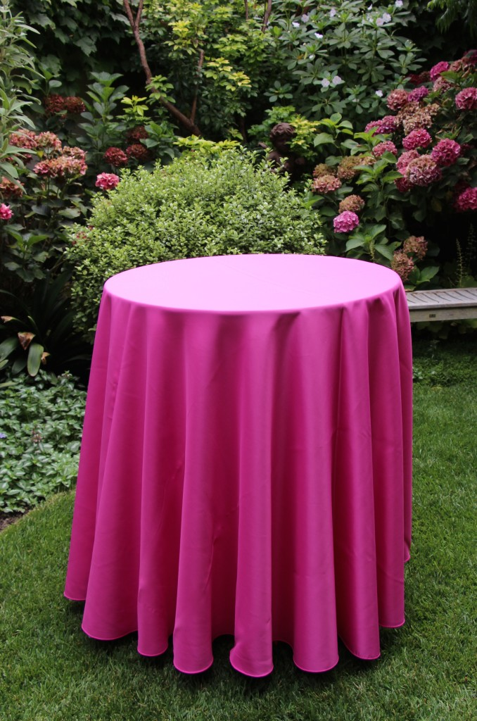 Coordinating the Color of Table Linens with the Colors in the Garden