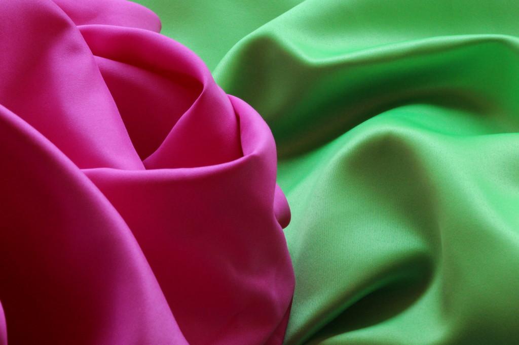 Duchess Fabrics - Rose and Apple