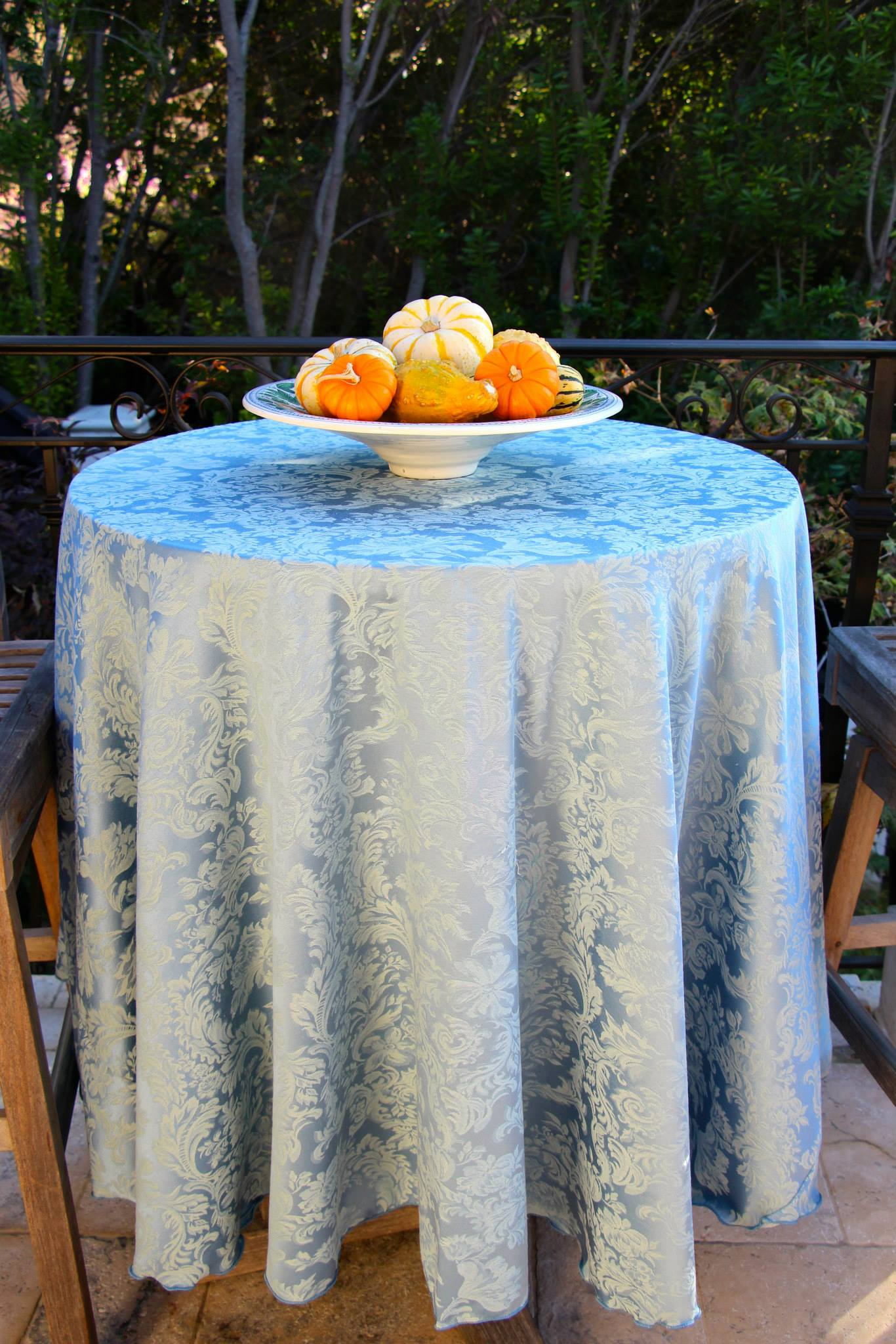 Fall Into Luxurious Textures With Miranda Damask Table