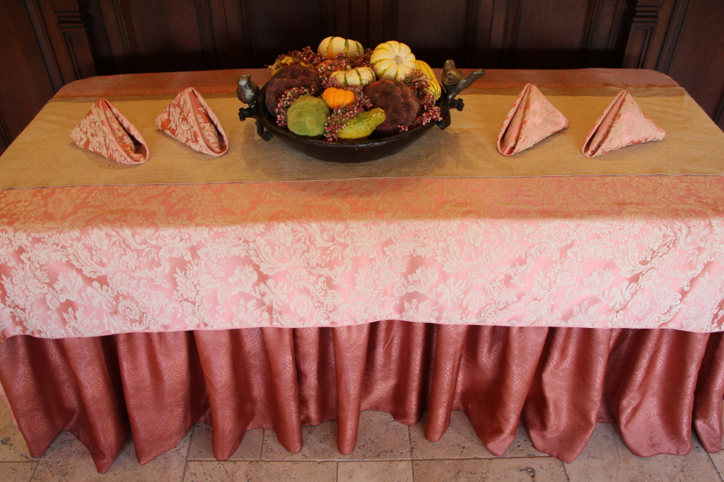 Table runners how to dress decorate premier table linens for Table linen color combinations
