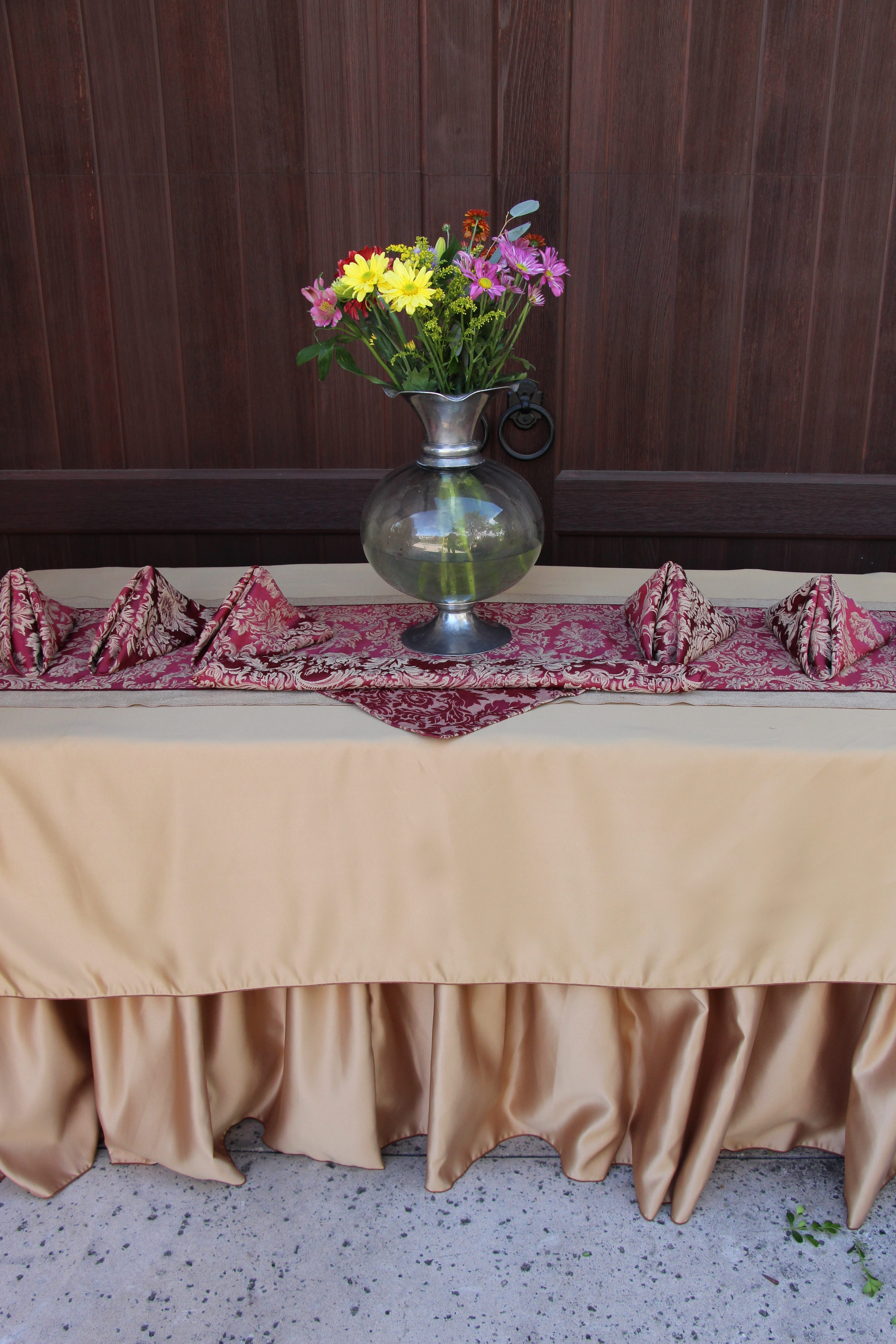 By Using The Wider Natural Jute Table Runner On The Bottom, And Choosing A  Narrow Runner On Top, It Allows For A Variety Of Possible Table Runner  Decorating ...