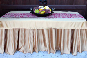 Table Runners | Dressing & Decorating