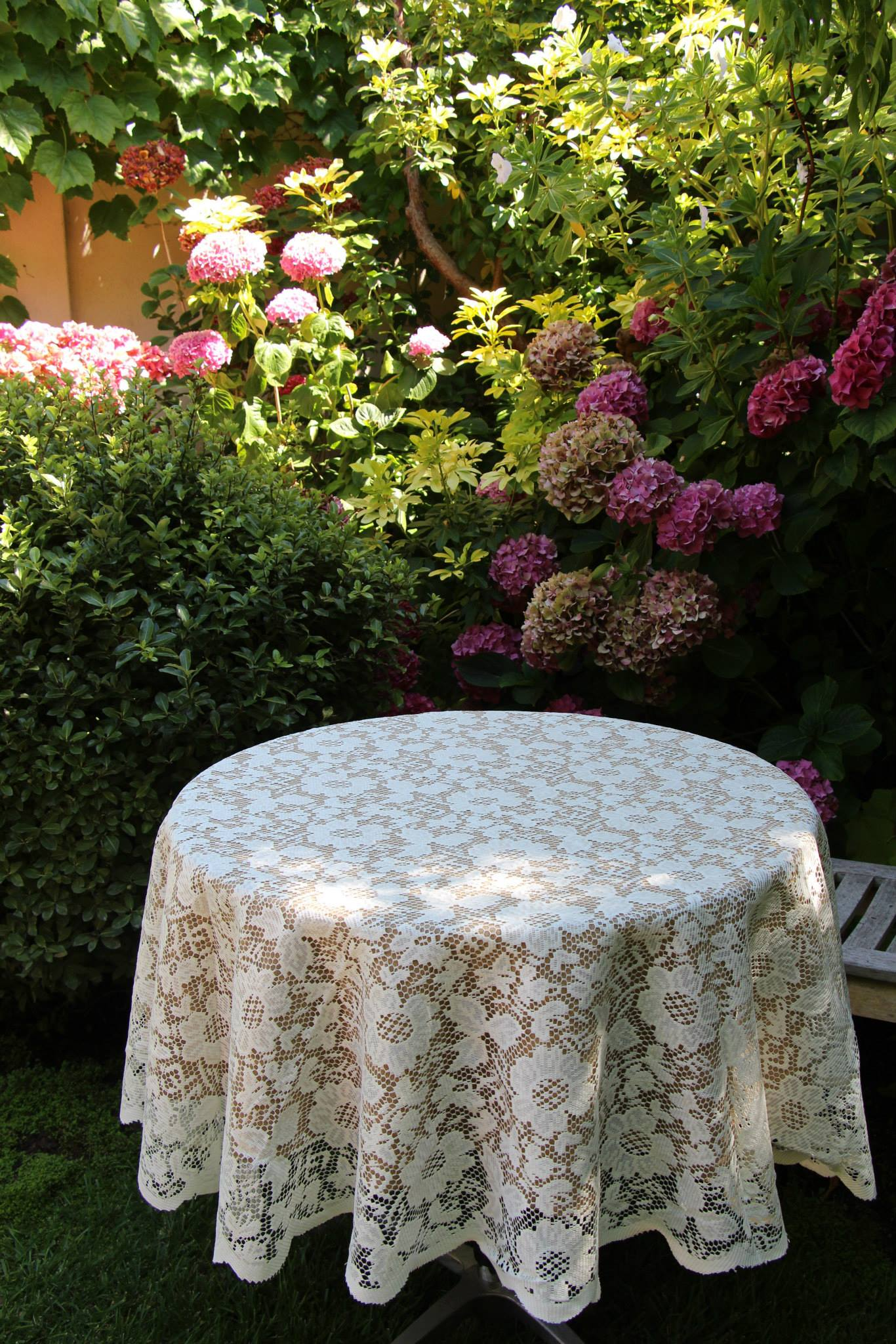 Natural Colored Havana Faux Burlap Tablecloth With Lace Overlay