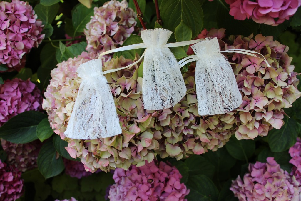 Lace Party Favor Bags