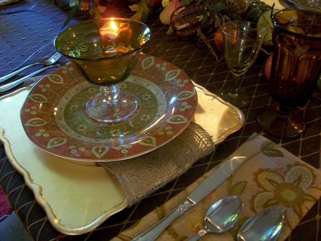 RMS-GritsandGlamour_fall-floral-table-setting_s4x3.jpg.rend.hgtvcom.1280.960