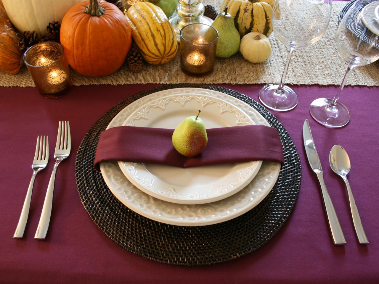 RMS Chasingpaige_purple Fall Table Setting_s4x3.rend.hgtvcom.