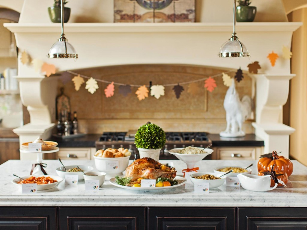 2015 thanksgiving tablecloth and setting ideas premier for Kitchen 8 restaurant