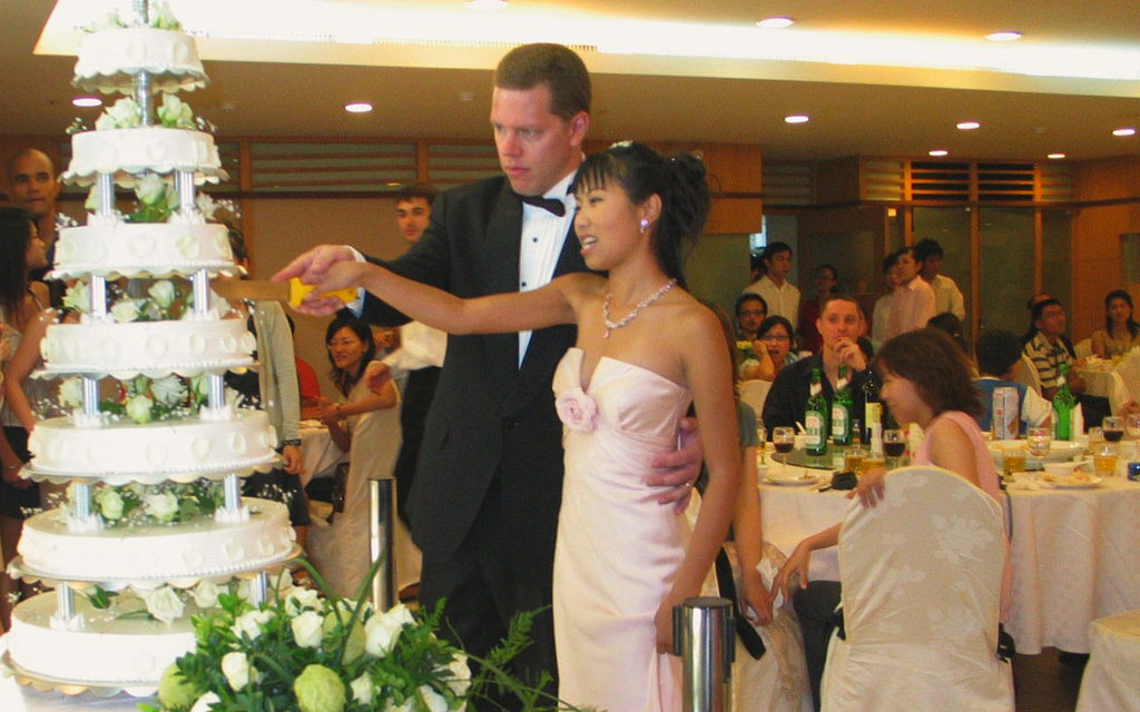 The Wedding Cake & Meaning Through The Ages